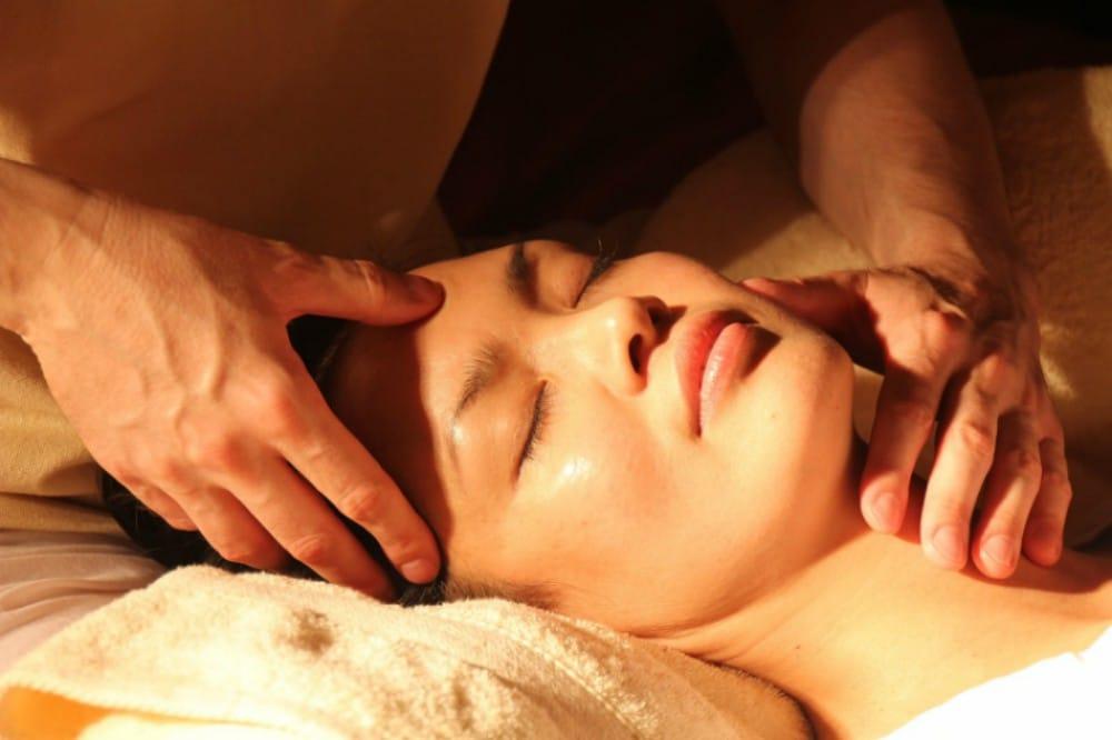 Tratamiento osteopático para aliviar la mente y cuerpo