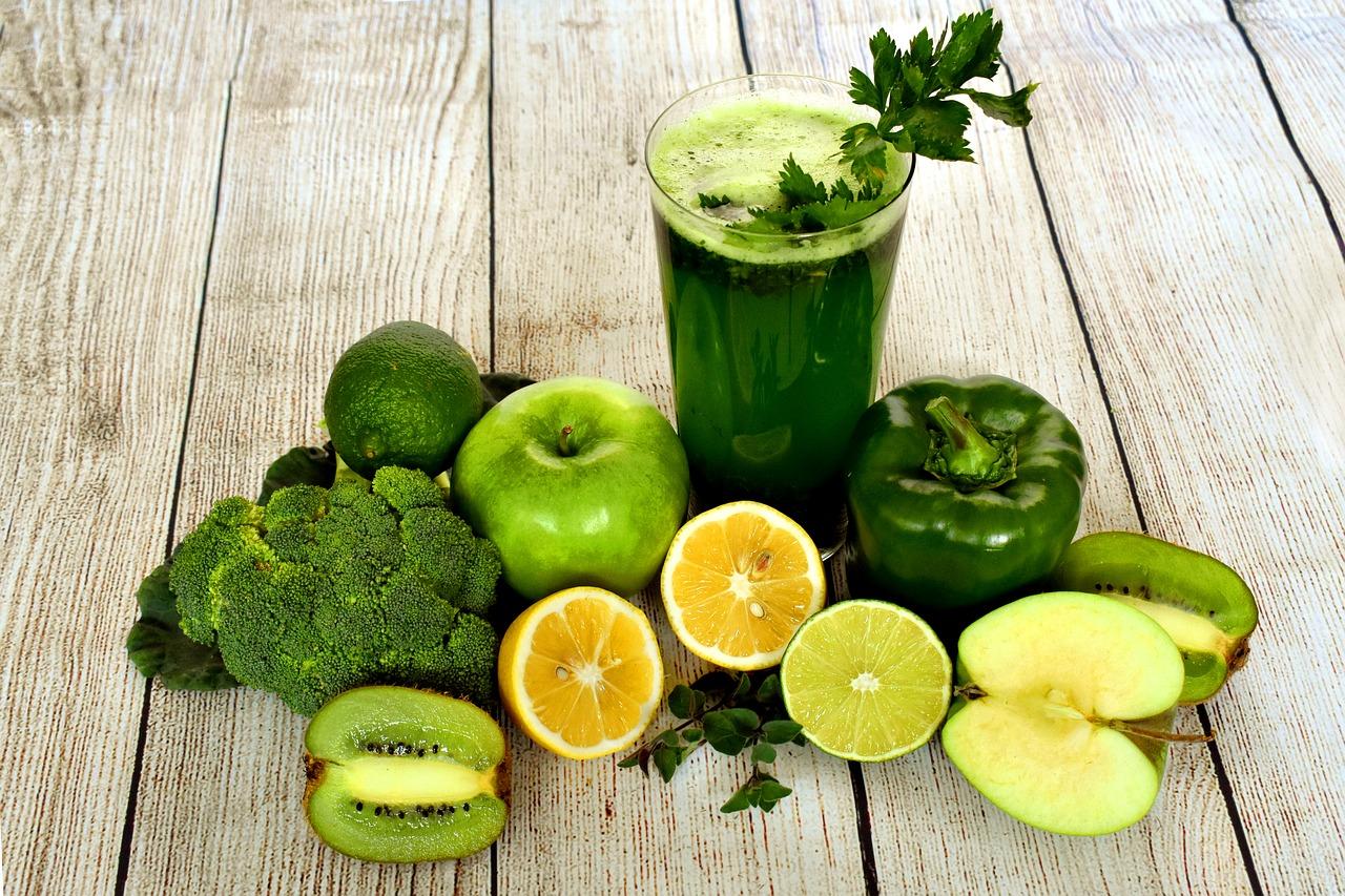Los jugos verdes son ideales para perder peso efectivamente