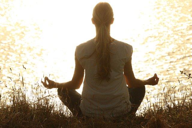 Medita durante la semana para combatir dolores musculares crónicos